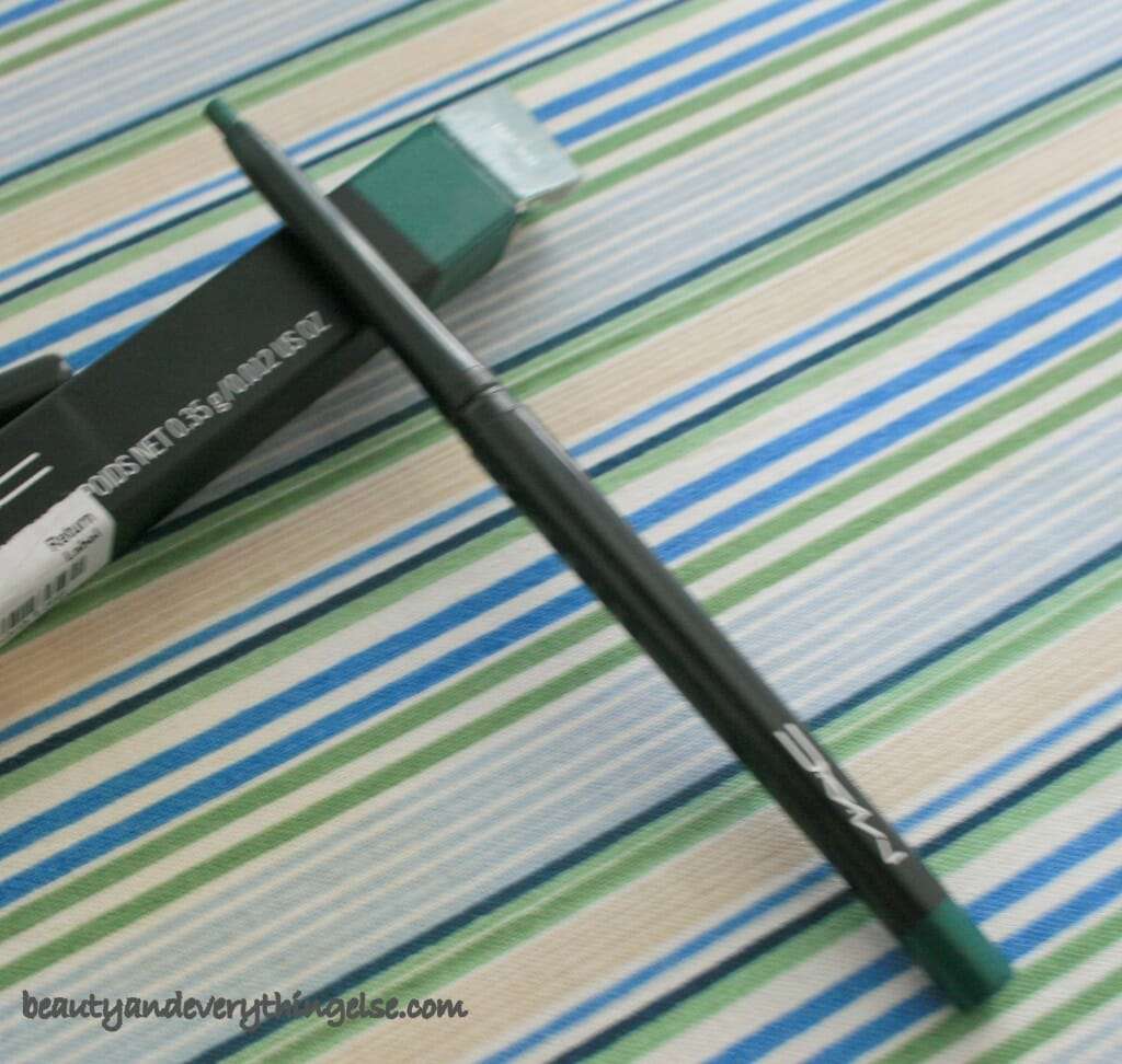 IMG 30561 1024x972 MAC Technakohl Liner Jade Way Review & Swatches.